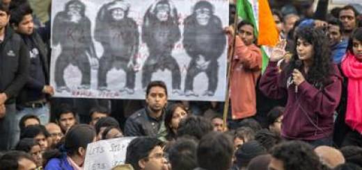 DelhiProtests-womanSpeak